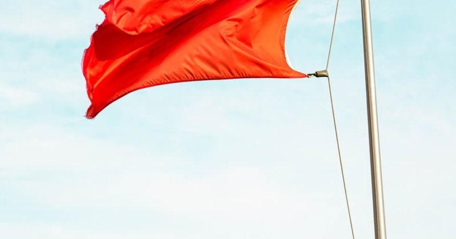 Большие красные флажки, указывающие на мошенничество в онлайн-казино